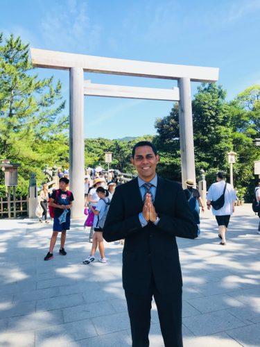 外国人観光客に、英語で「神社」を説明して仲良くなる